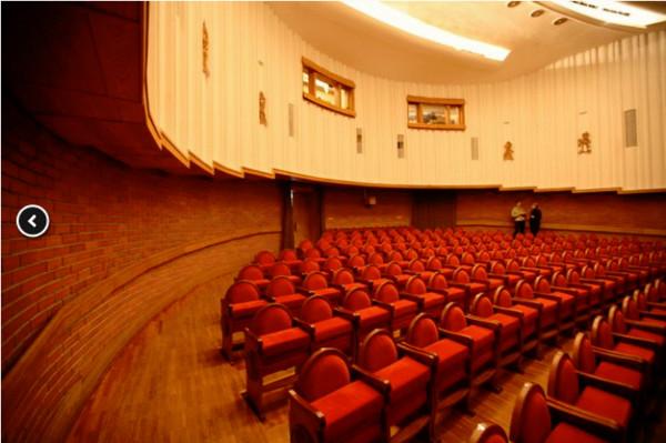 Зрительный зал Новосибирского театра кукол